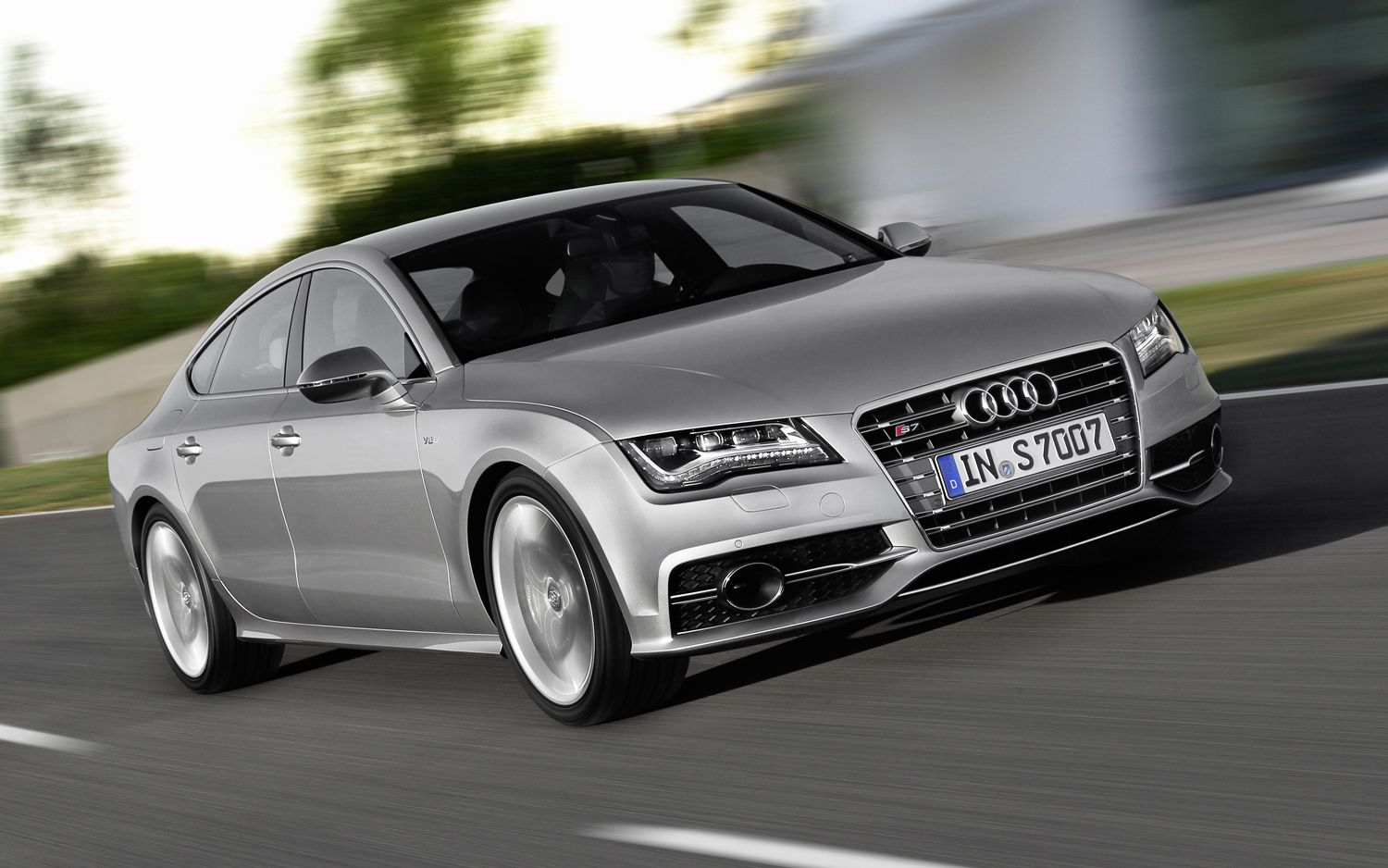 2012 Audi S7 Front View1