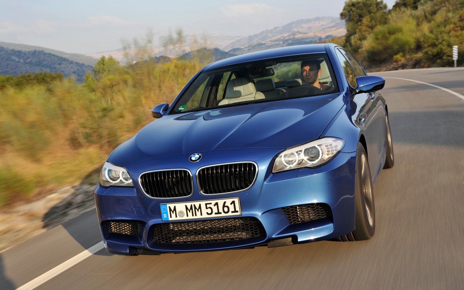 2012 BMW M5 Front Slight Left View