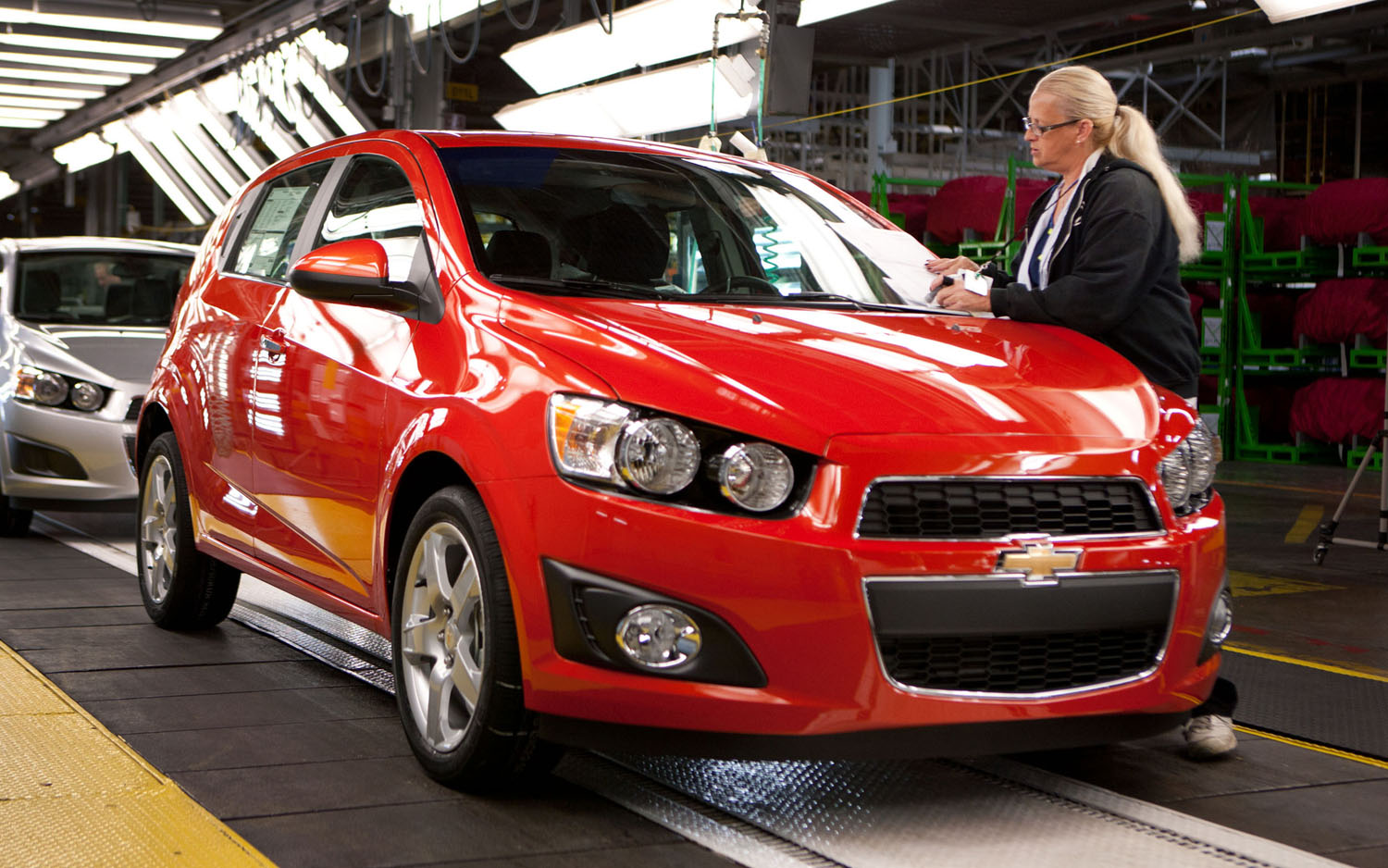 2012 Chevrolet Sonic Hatch Front Three Quarter Assembly Line1