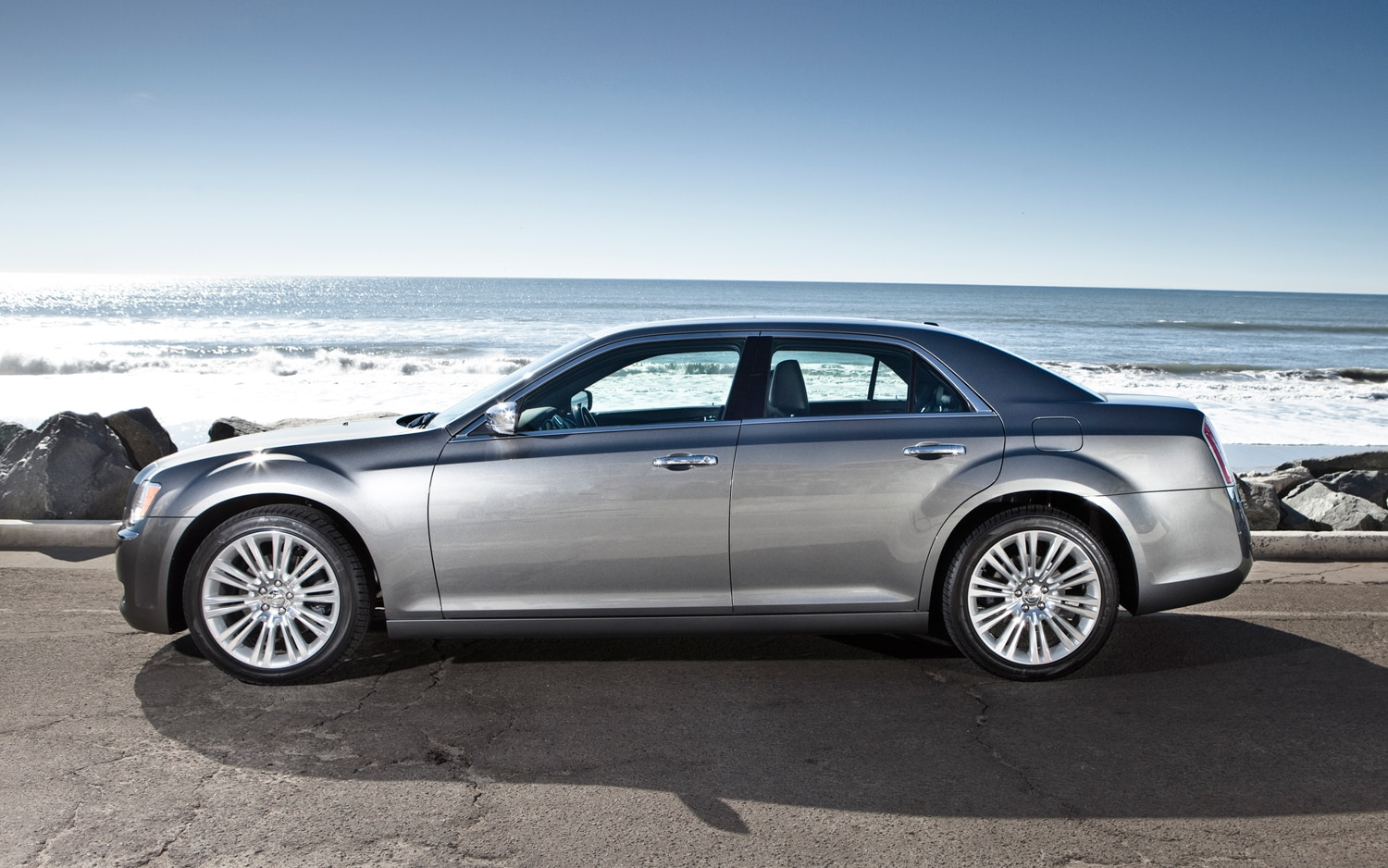 Alfa Romeo May Build Chrysler 300 Based Luxury Sedan