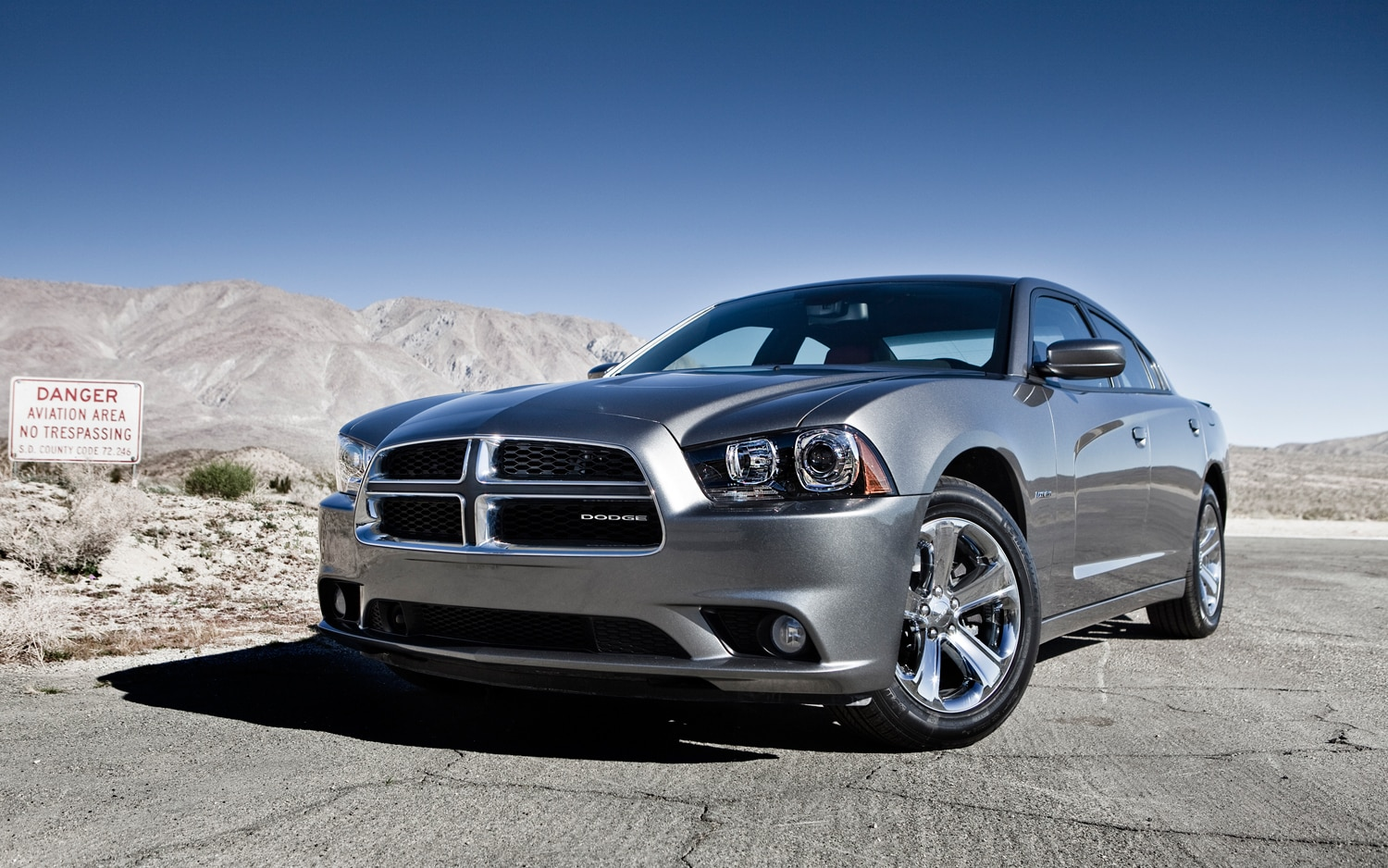 2012 Dodge Charger Front Three Quarter1