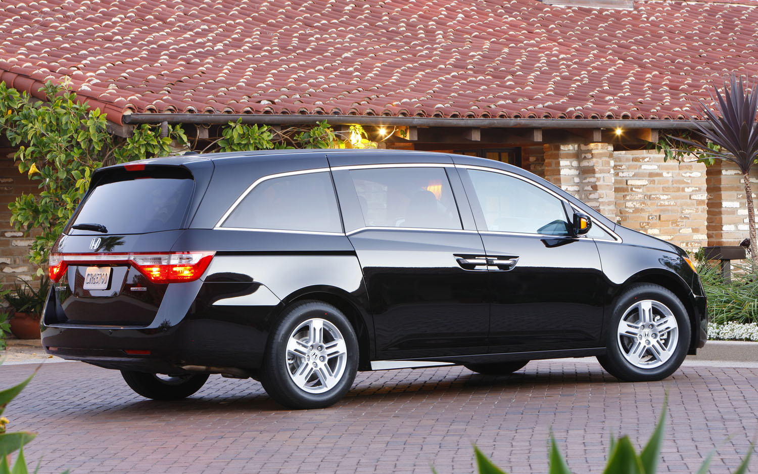 2012 honda odyssey pricing start at 29 035. Black Bedroom Furniture Sets. Home Design Ideas