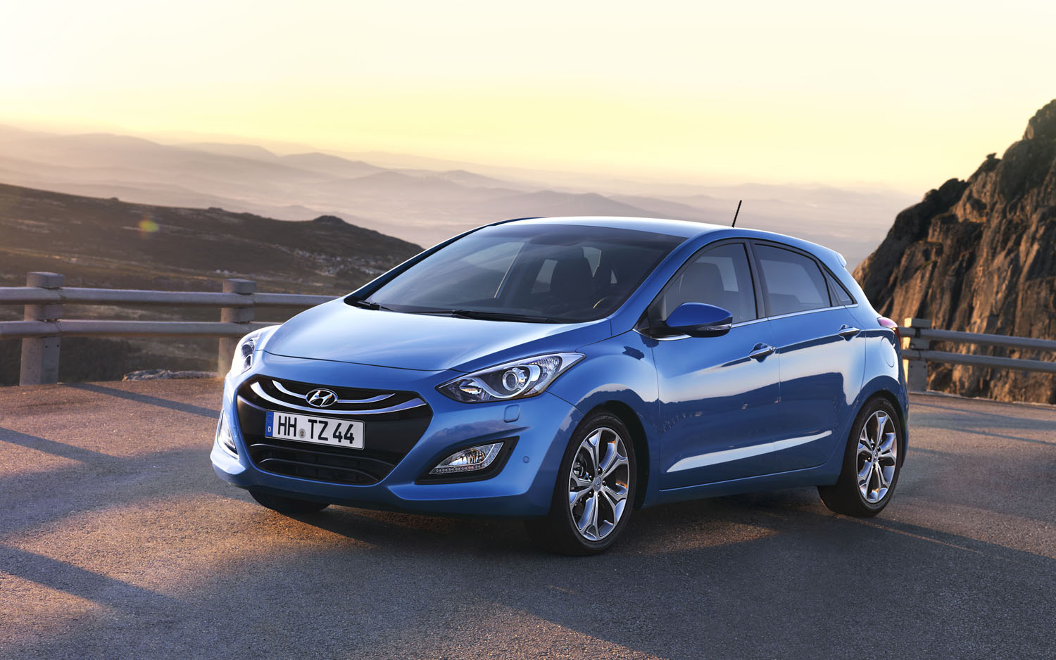 2012 Hyundai I30 Front Three Quarter 22