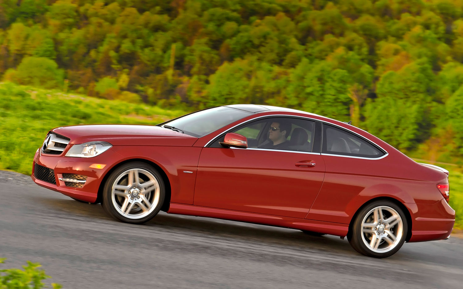 Feature flick 2012 mercedes benz c class coupe breaks the for Mercedes benz c class coupe 2012