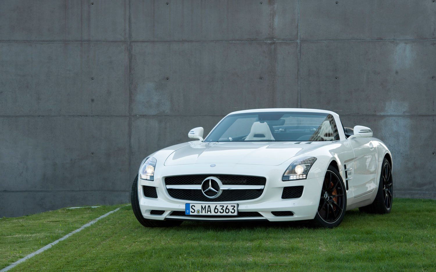 2012 Mercedes Benz SLS AMG Roadster Front Three Quarter Grass1