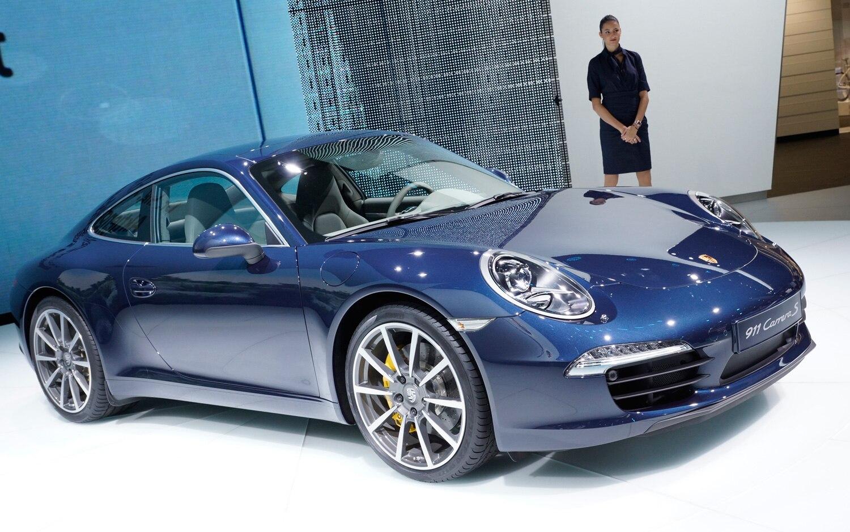 2012 Porsche 911 Carrera S Front View1