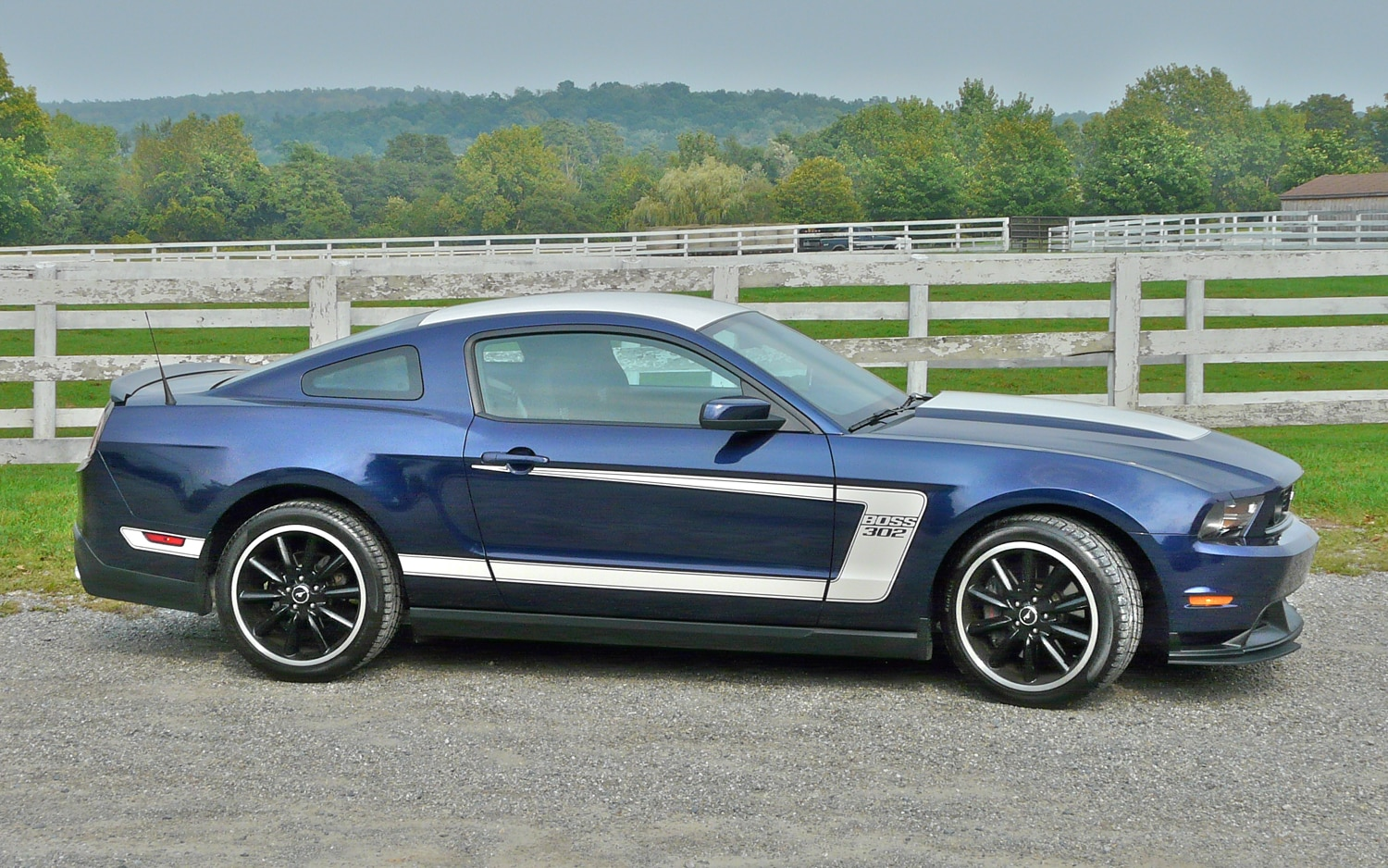 2012 Ford Mustang Boss 302 Right Side View1