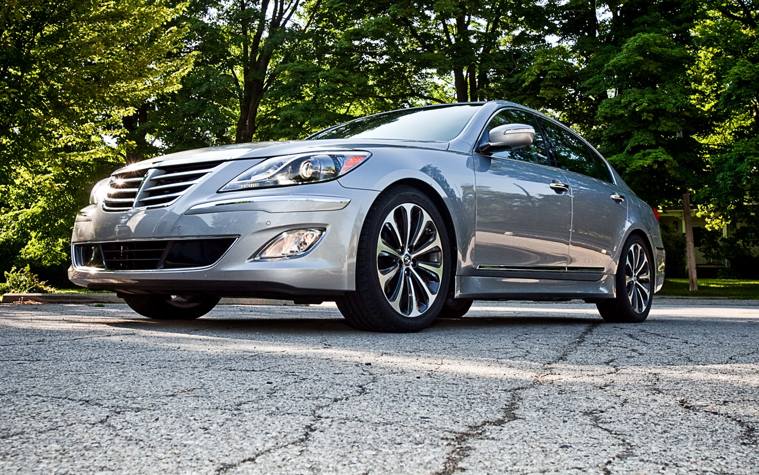 2012 hyundai genesis 5 0 r spec editors 39 notebook automobile magazine. Black Bedroom Furniture Sets. Home Design Ideas