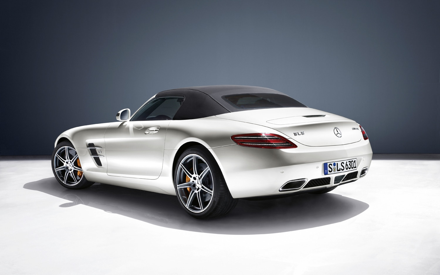 first drive 2012 mercedes benz sls amg roadster automobile magazine. Black Bedroom Furniture Sets. Home Design Ideas