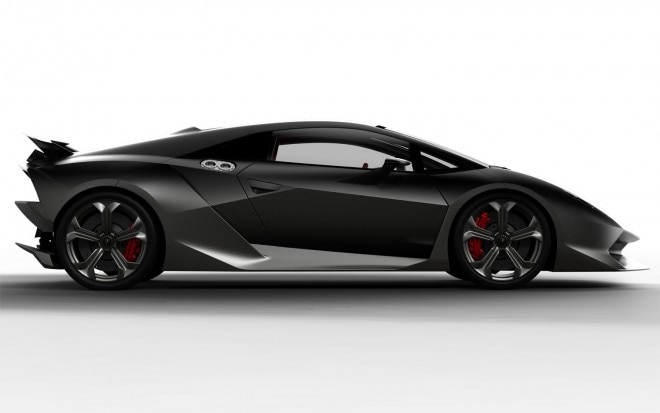 2013 Lamborghini Sesto Elemento Right Side1 660x413