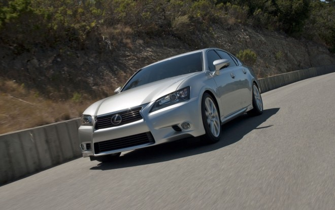 2013 Lexus GS 450h Front Three Quarter 31 660x413