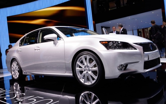 2013 Lexus GS450h Front Three Quarters View1 660x413