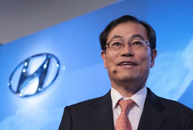 Steve Yang Hyundai Co CEO Left1 660x446