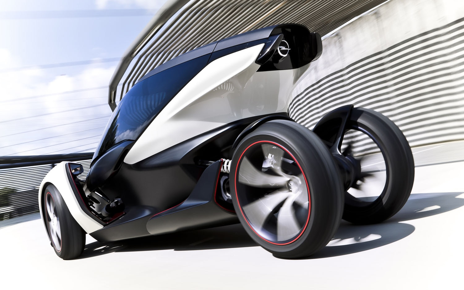 Vauxhall Opel Electric Two Seat Concept Rear Three Quarter1