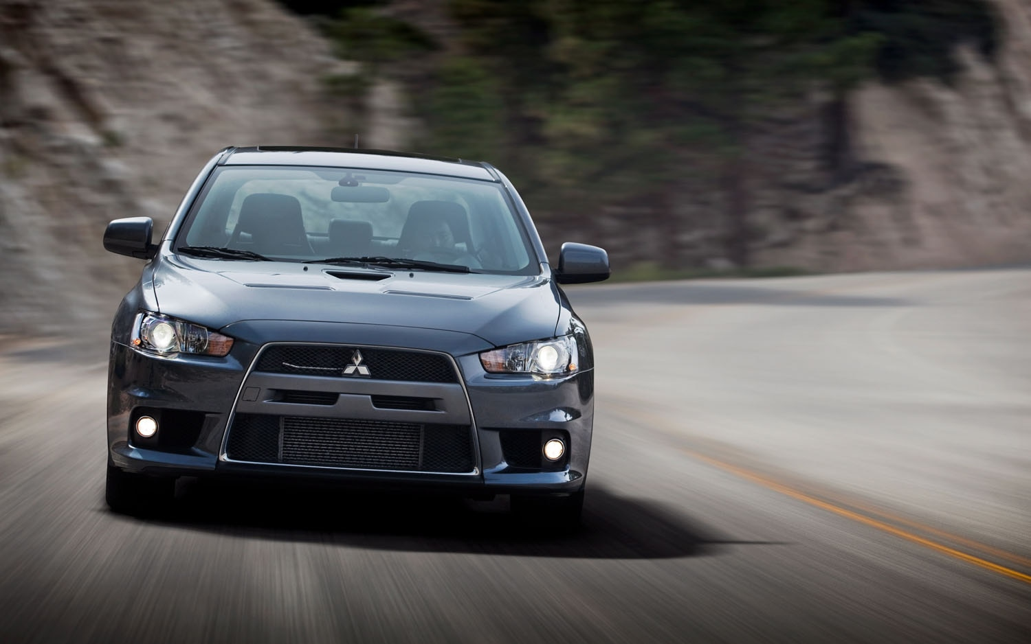 2010 Mitsubishi Lancer Evolution MR Front View1