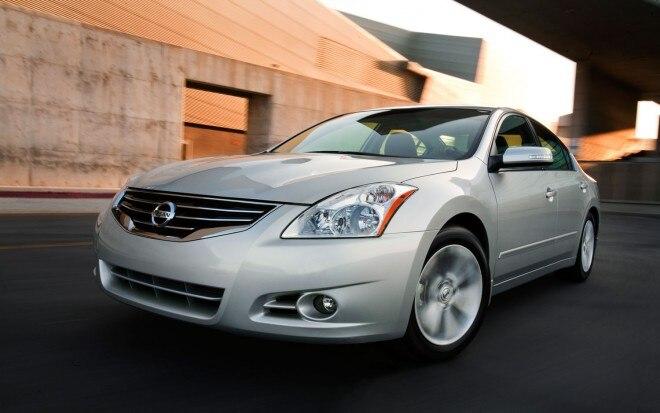 2011 Nissan Altima 011 660x413