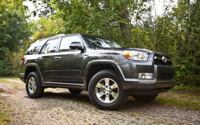 2011 Toyota 4Runner SR5 4x4 Front Right Side View1 660x413