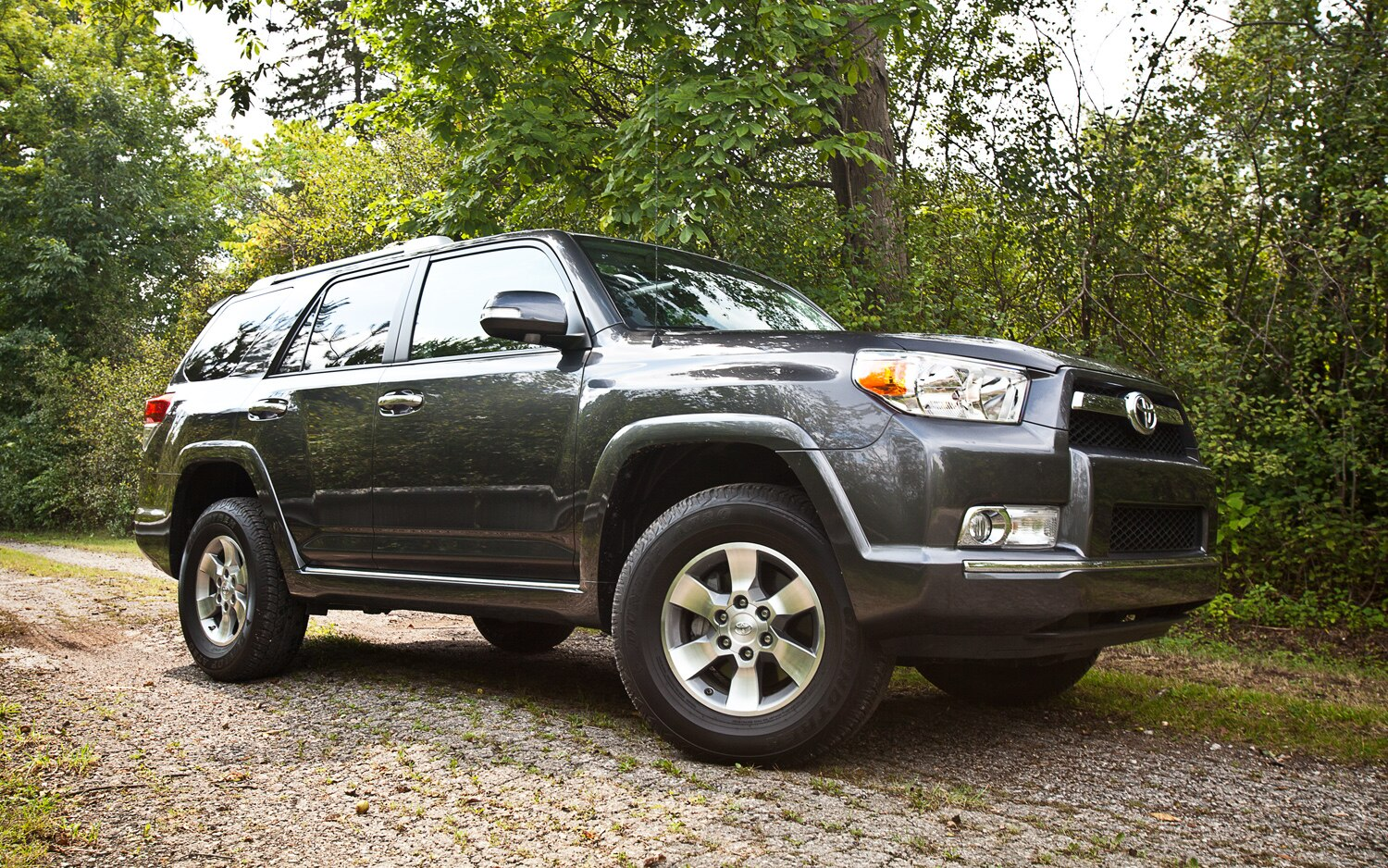 2011 Toyota 4Runner SR5 4x4 Front Right Side View1