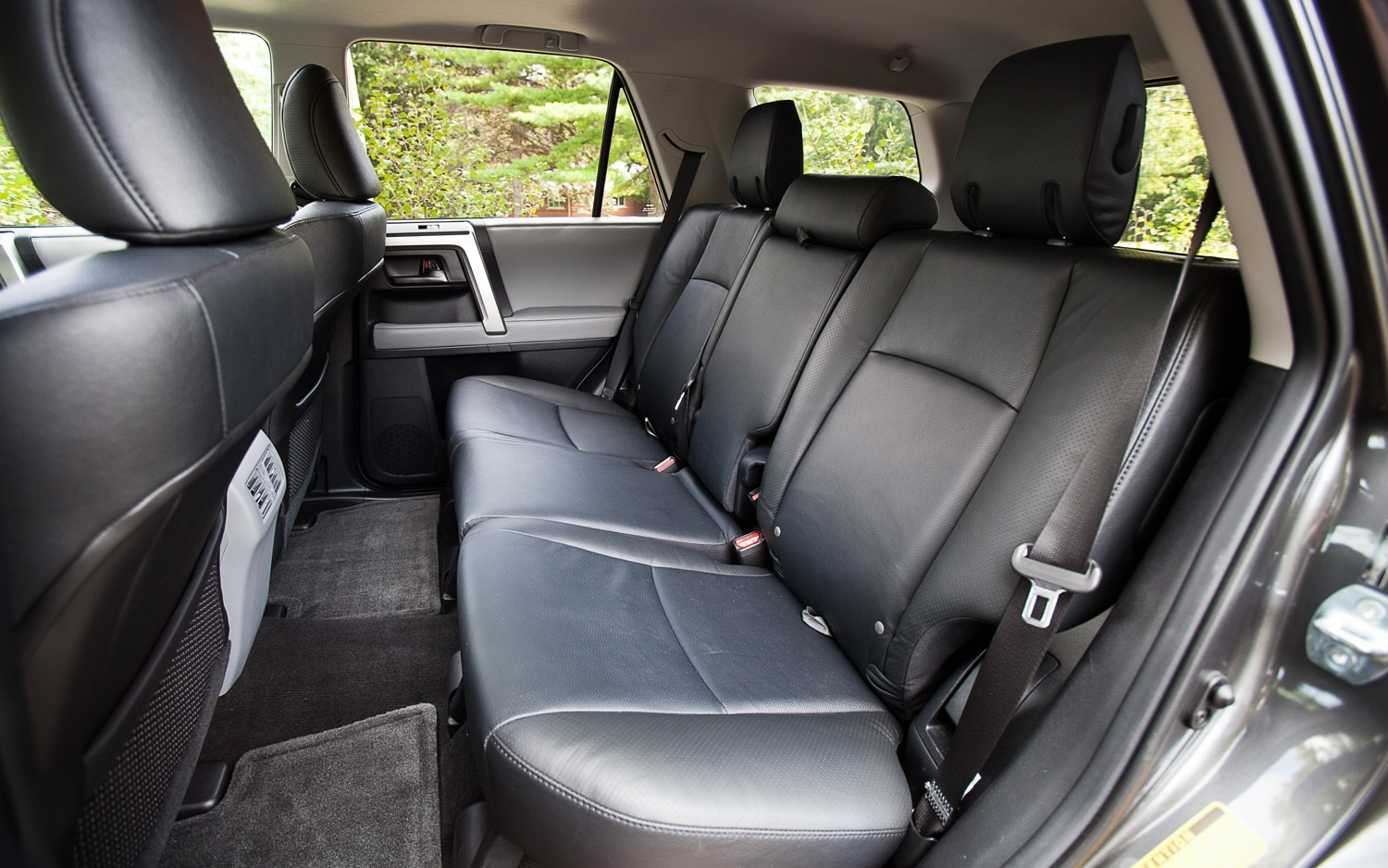 cheap suvs with 3rd row autos post. Black Bedroom Furniture Sets. Home Design Ideas