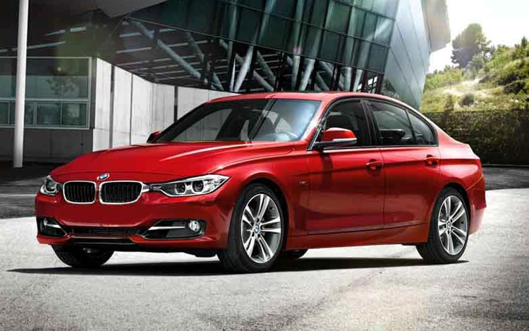 2012 BMW 3 Series Front Three Quarter21