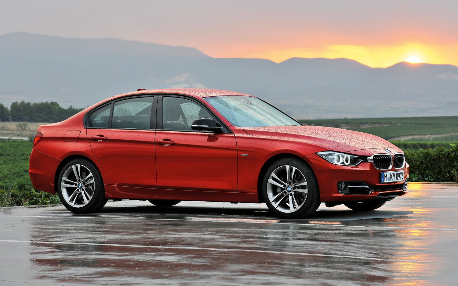 2012 BMW 3 Series Sport Line Side 3
