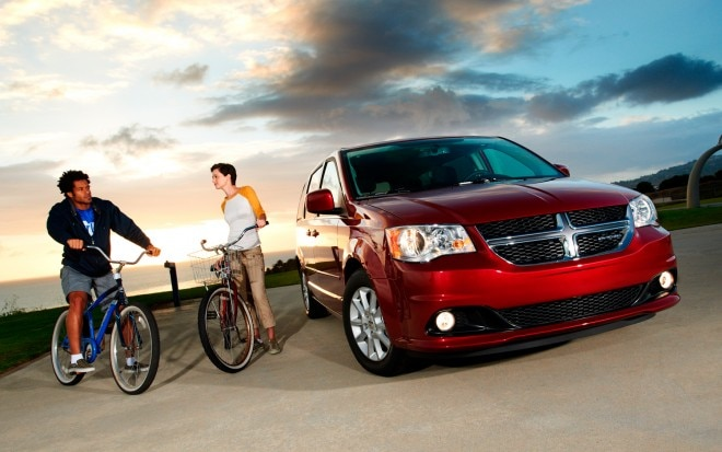 2012 Dodge Grand Caravan Front Three Quarter1 660x413