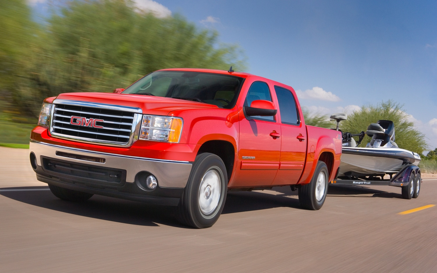 2012 GMC Sierra Front Three Quarter1