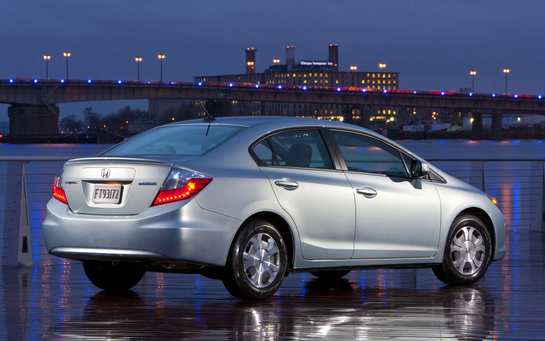 2012 Honda Civic Hybrid Rear Three Quarter1