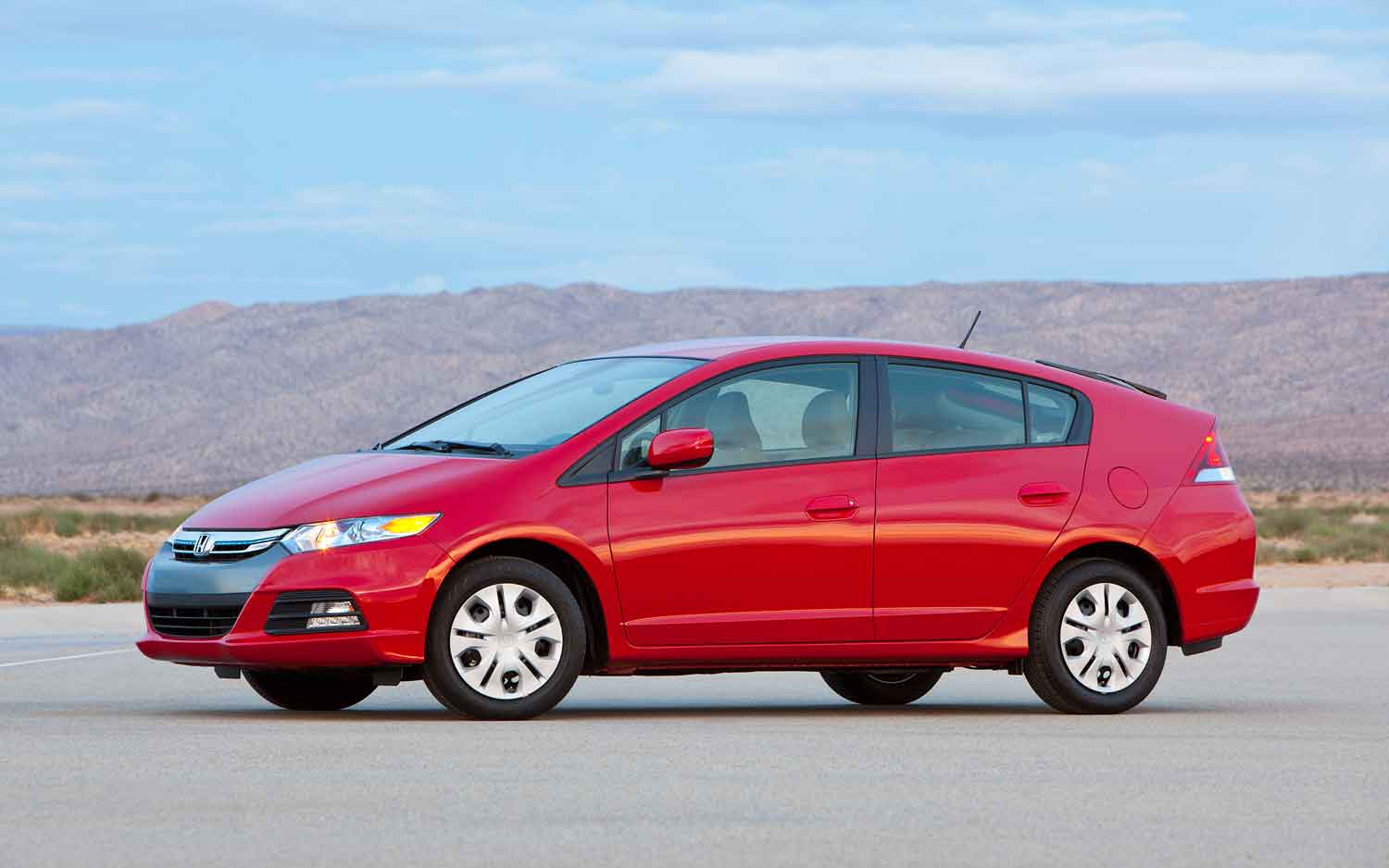 2012 Honda Insight Front Side View In Red1