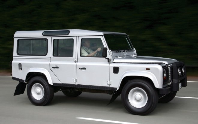 2012 Land Rover Defender 100 Profile1 660x413