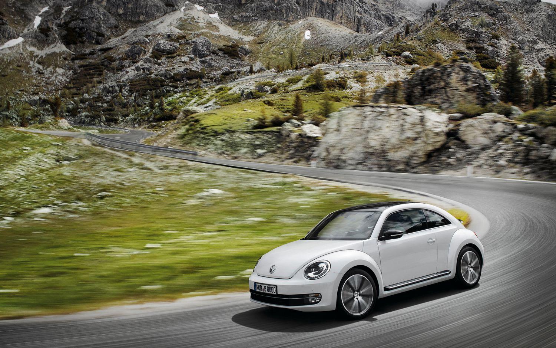 2012 Volkswagen Beetle Turbo Front Left View1