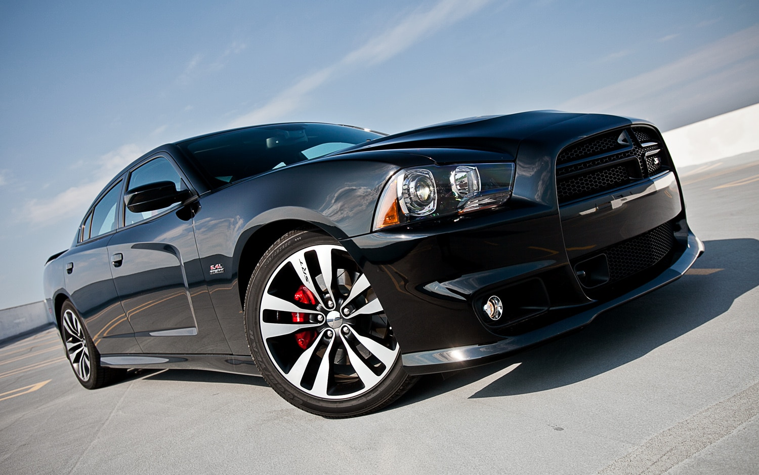 2012 Dodge Charger SRT8 Front Right View 21