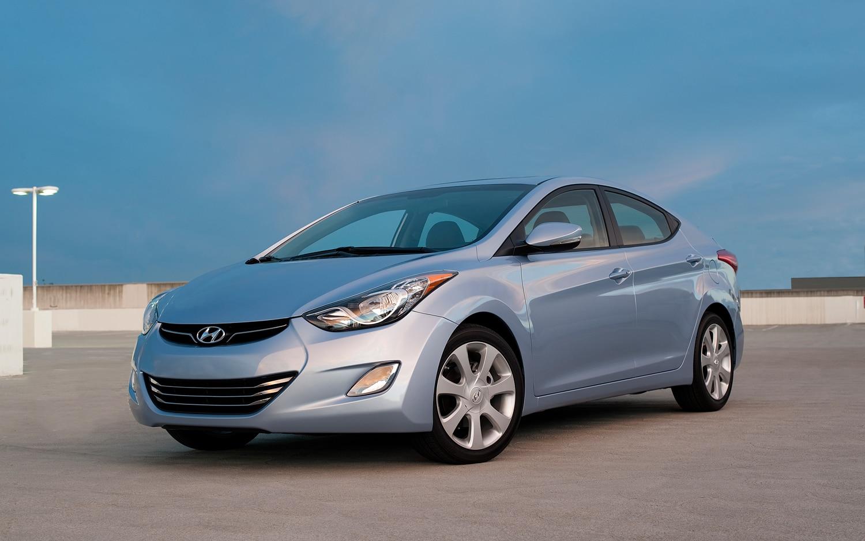 2012 Hyundai Elantra Front Left View 21