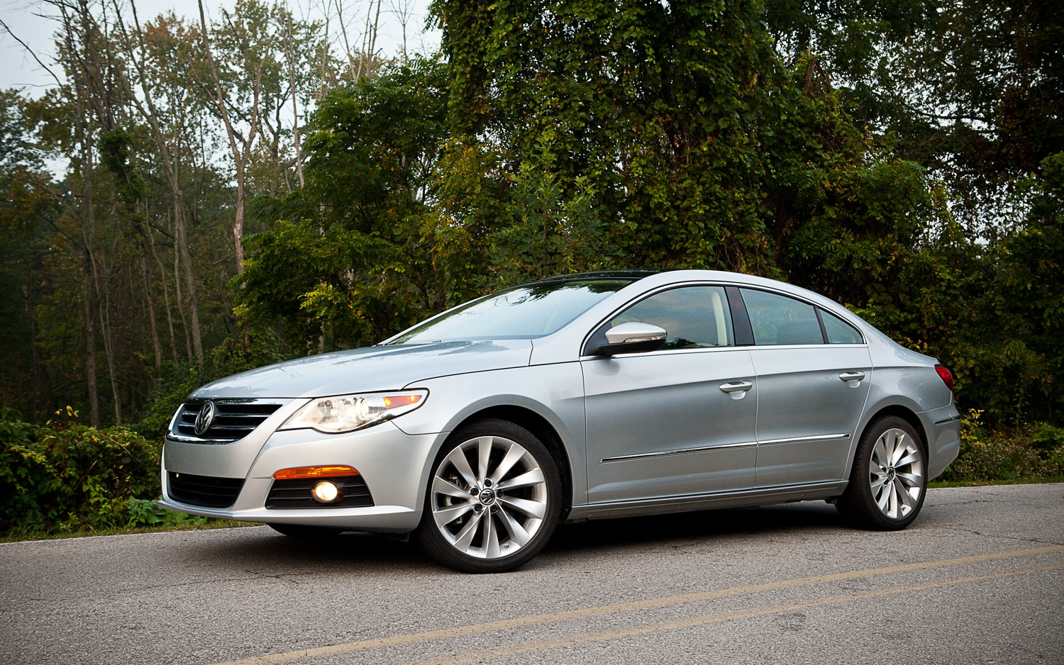 2012 Volkswagen CC LUX Limited Front Left Side View1