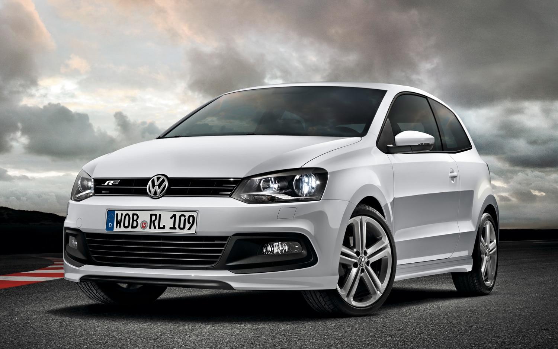 Volkswagen Polo R Line Front Three Quarter1