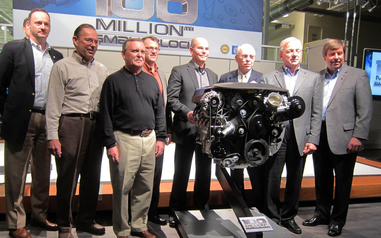 100 Millionth Small Block V 8 Group Photo1