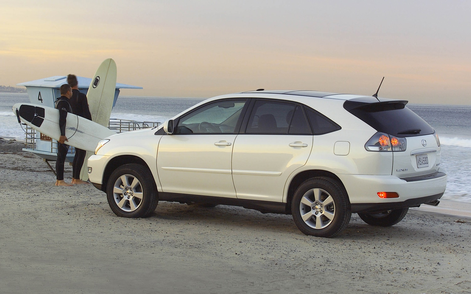 2005 Lexus RX330 Rear Three Quarter1