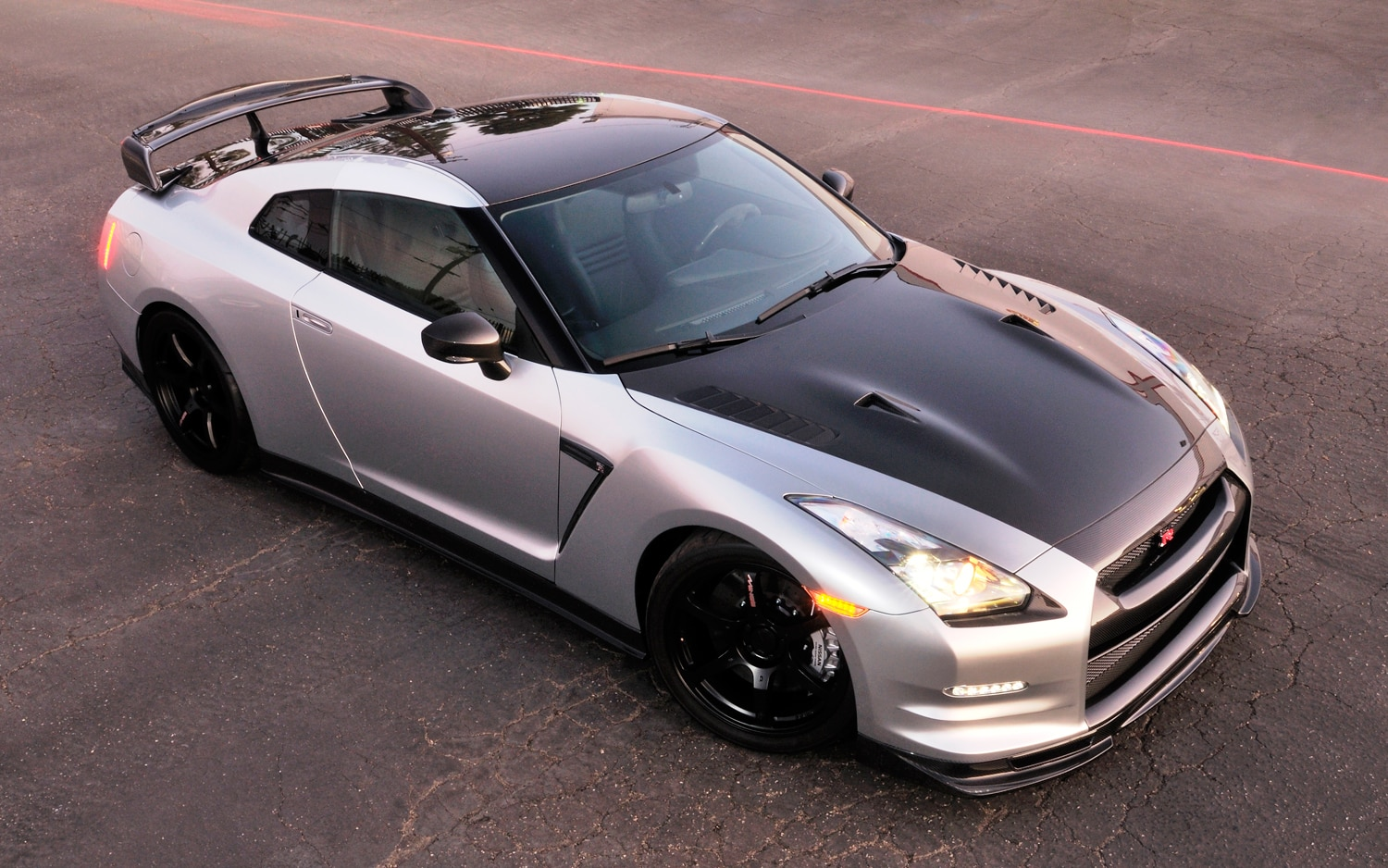 2009 Nissan GT R Front Three Quarter21