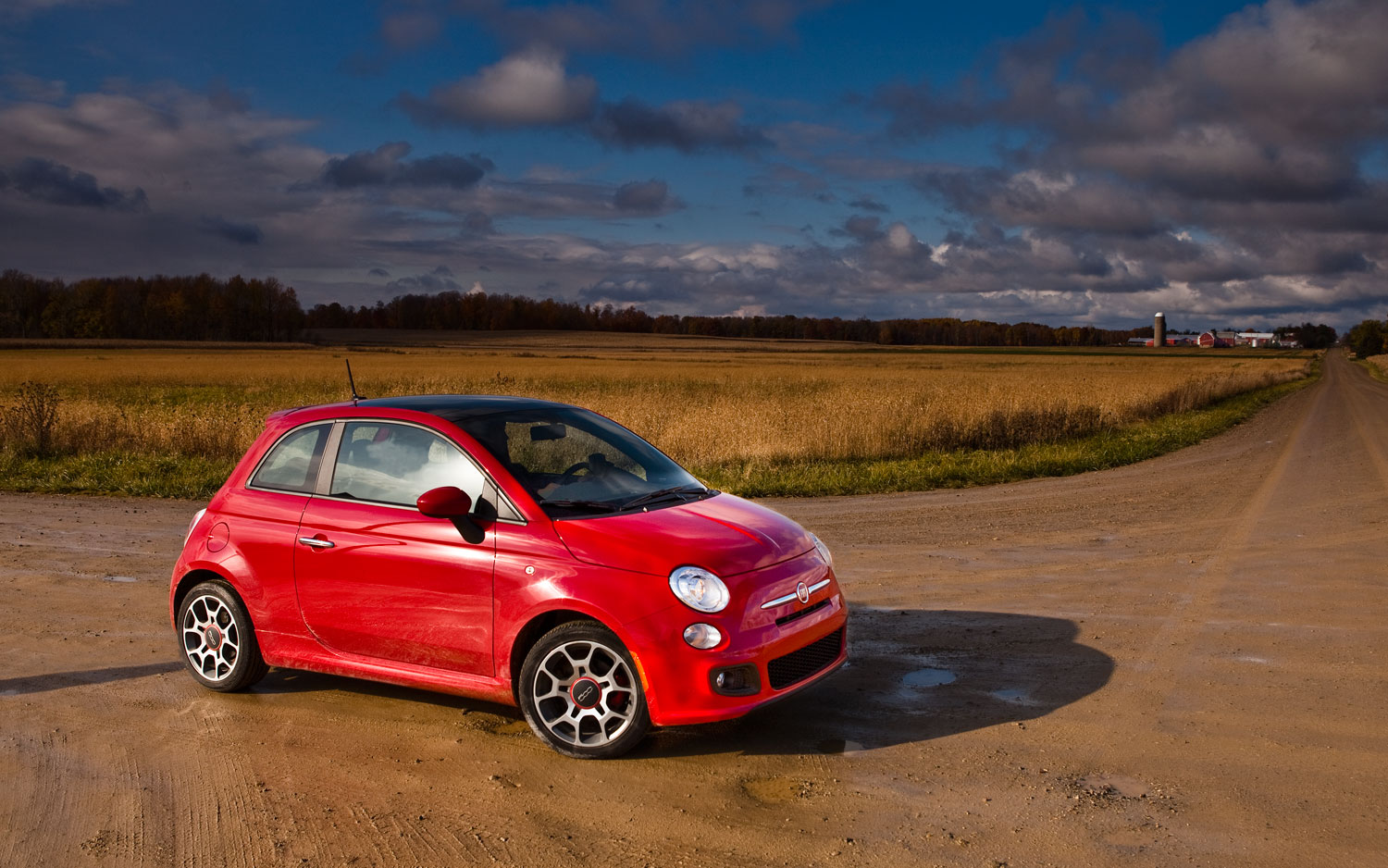 2011 Fiat 500 Front Left Side View In Field