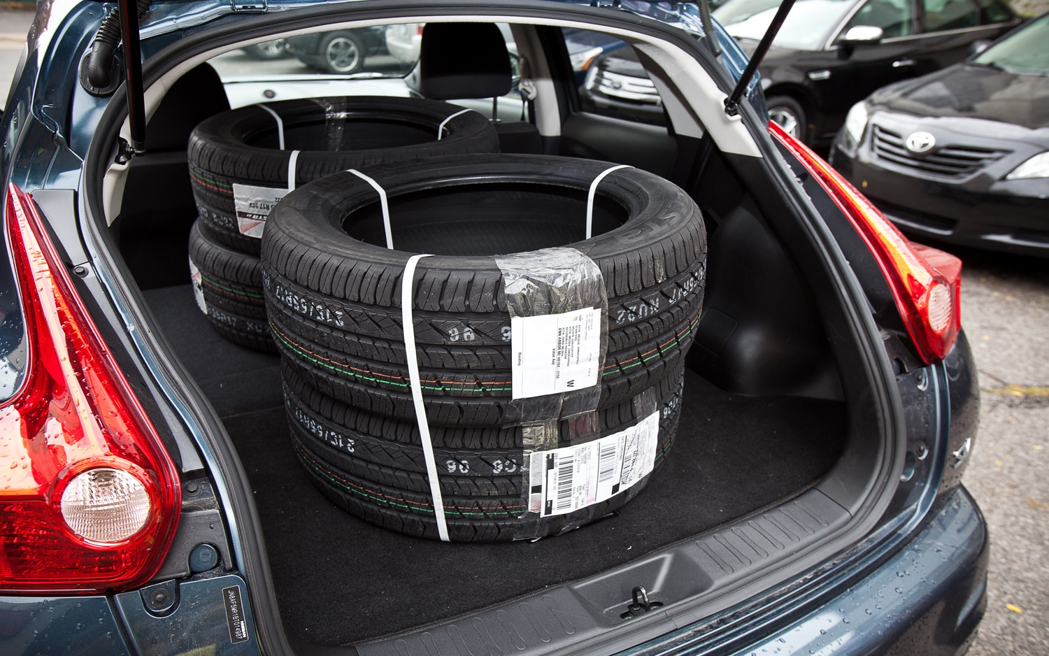 2011 Nissan Juke SV FWD MT Kuhmo Tires In Hatch