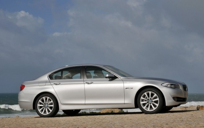 2012 BMW 530d Right Side View1 660x413