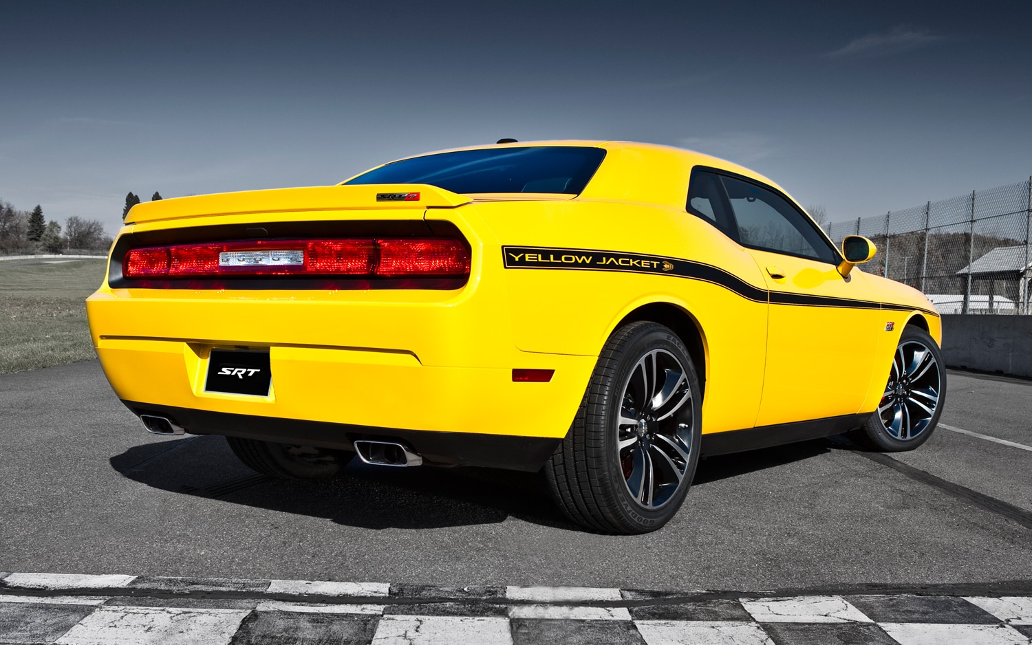 first look 2012 dodge challenger srt8 charger srt8 automobile magazine. Black Bedroom Furniture Sets. Home Design Ideas