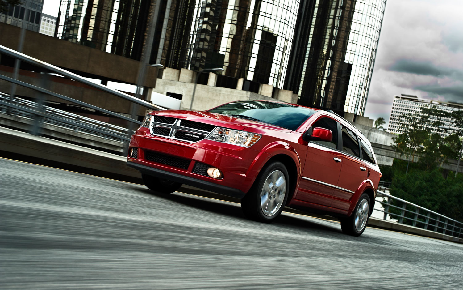 2012 Dodge Journey Front Three Quarter In Motion1