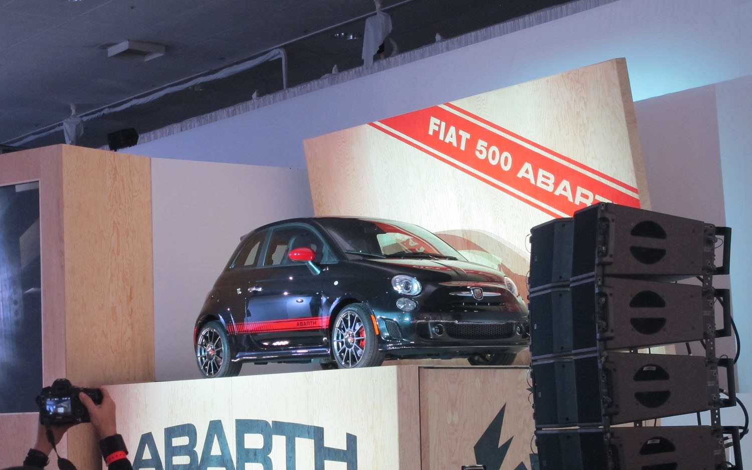 2012 Fiat 500 Abarth Live Front Three Quarter Box1
