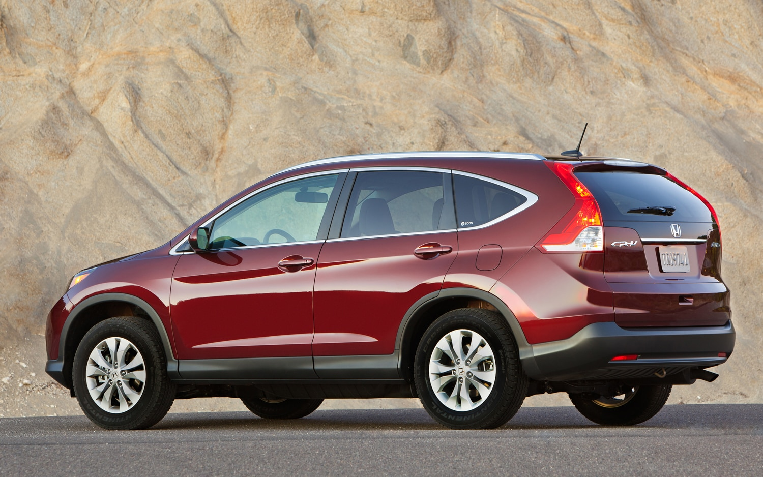 2012 honda cr v first drive automoblie magazine for Honda crv competitors