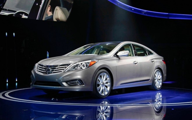 2012 Hyundai Azera Front Three Quarters1 660x413
