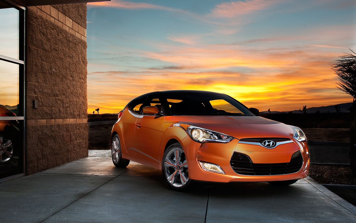 2012 Hyundai Veloster Passengers Side Front Three Quarters1