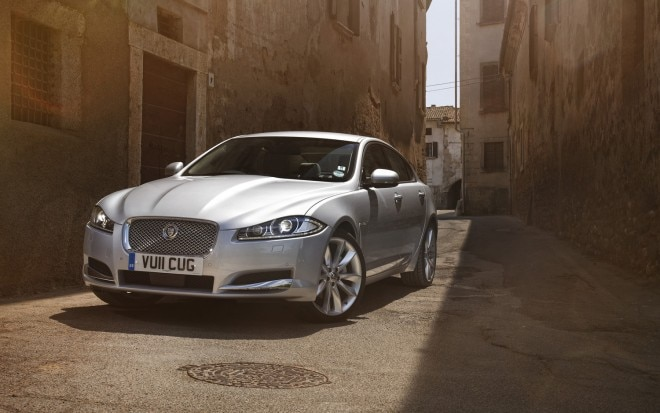 2012 Jaguar XF Diesel S Front Three Quarters View 660x413