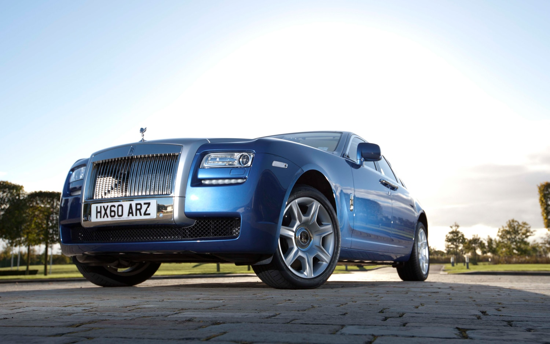 2012 Rolls Royce Ghost Front Three Quarter1