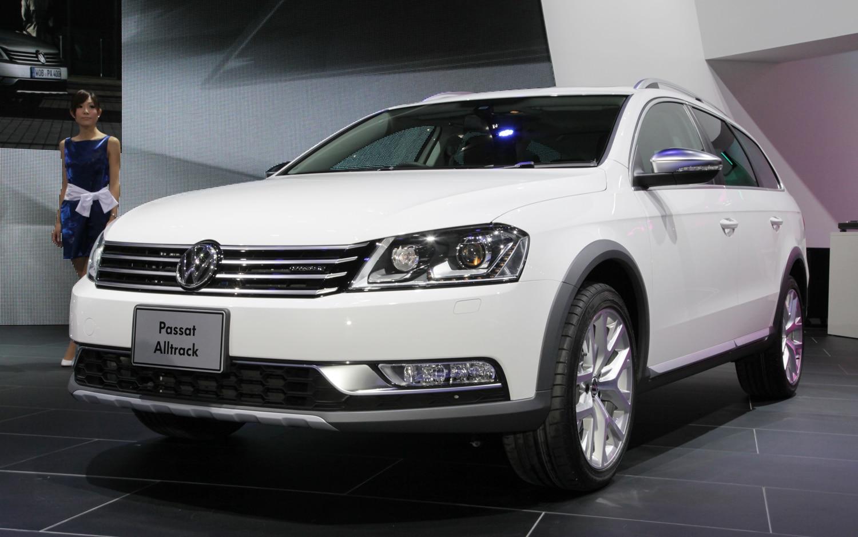 2012 Volkswagen Passat Alltrack Front Three Quarter